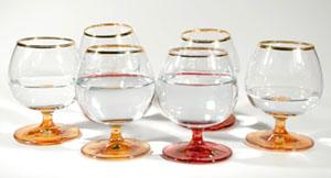 As diversas opções de copos podem confundir os novos anfitriões