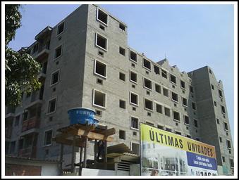 Obra de um prédio construído pela MRV Engenharia