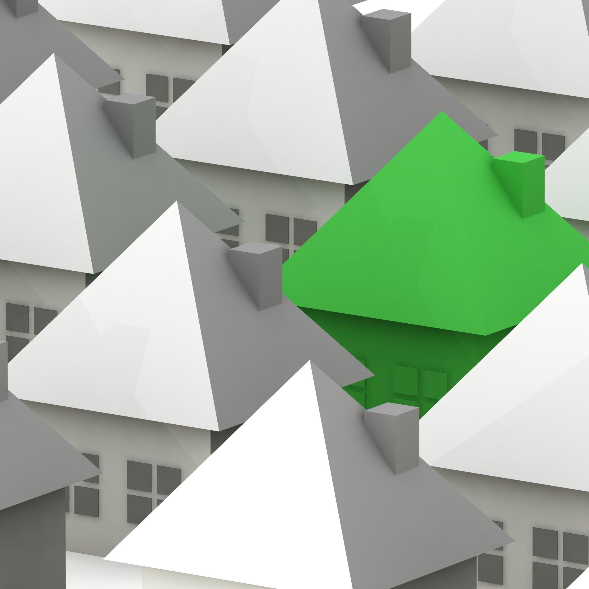 Condomínio barato, vista atraente, boa localização e facilidade de estacionamento elevam o valor de venda ou do aluguel