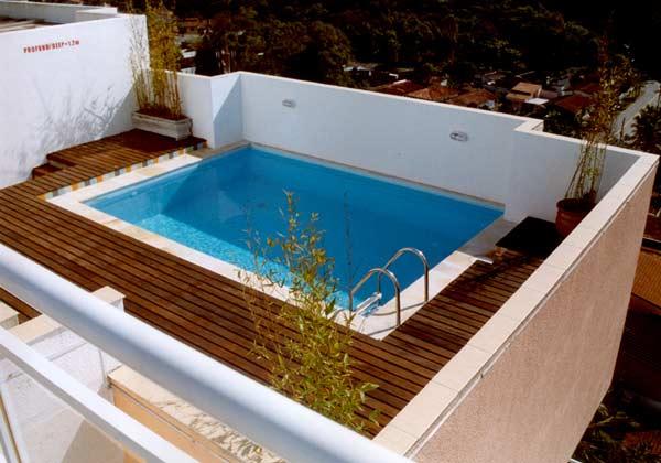 Instalar piscinas em coberturas demanda estudos for Piscina en terraza peso maximo