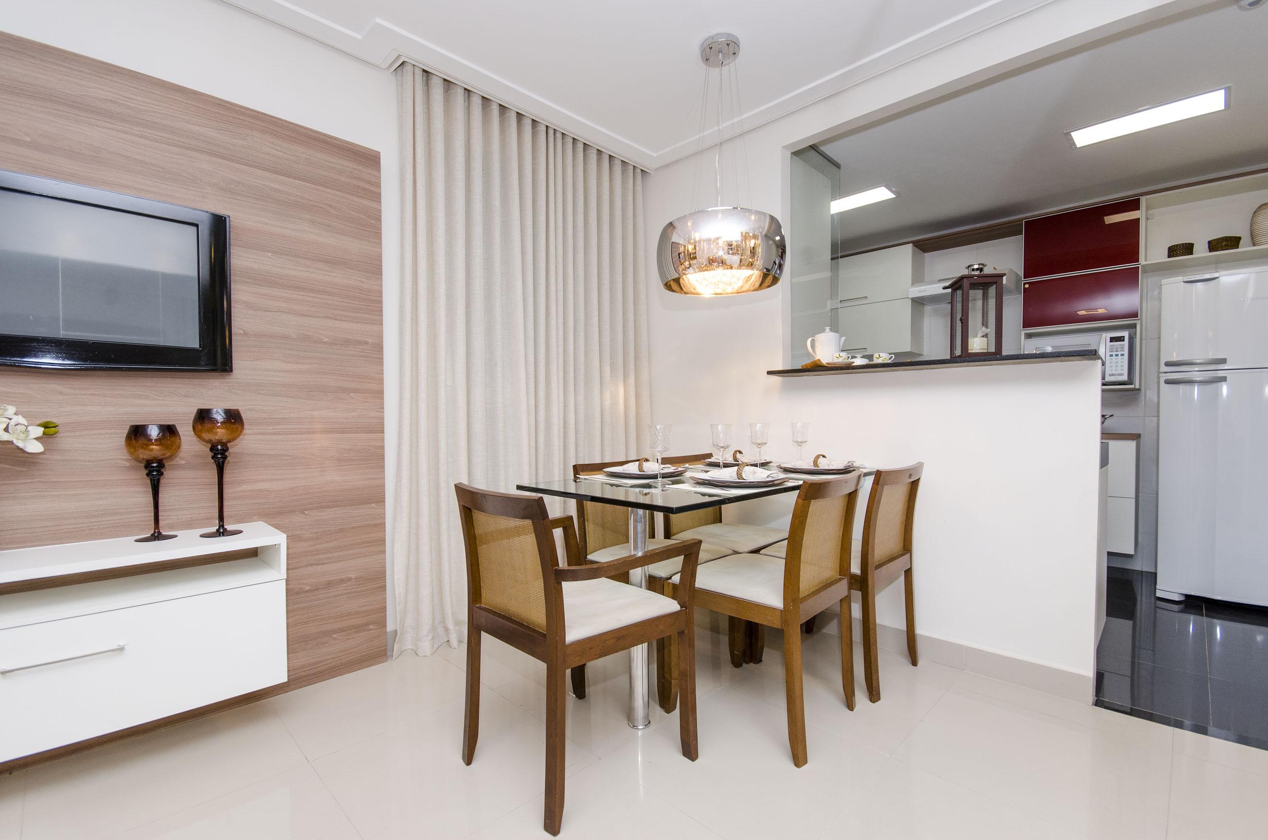 #654429 Aprenda a decorar uma sala de jantar pequena Blog Corporativo MRV  2500x1656 píxeis em Como Decorar Sala De Jantar Pequena