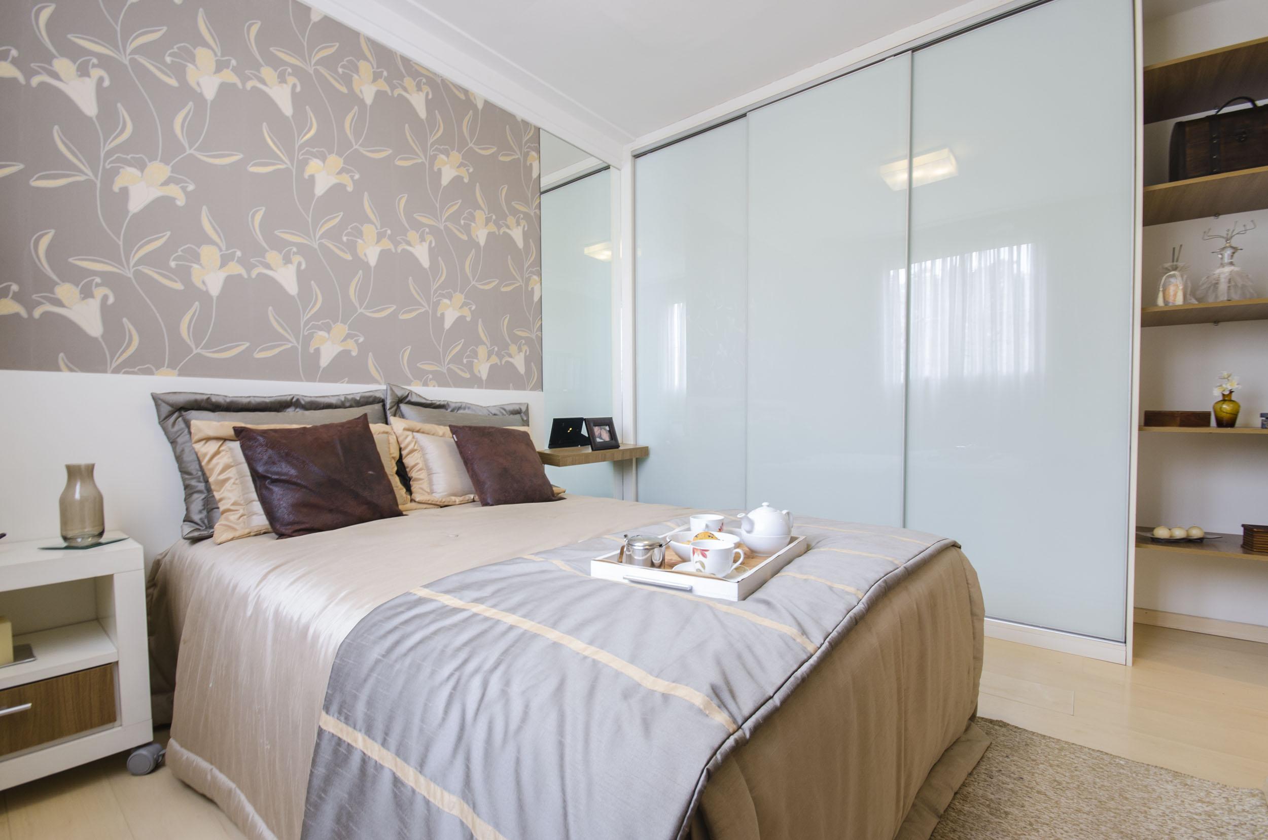 Aprenda A Escolher O Papel De Parede Ideal Para Os Seus Ambientes  ~ Quarto De Solteiro Planejado Para Apartamento Pequeno