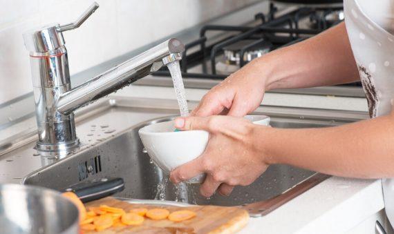 10 dicas para economizar água em seu apartamento
