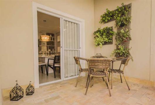 Área privativa de um apartamento da MRV projetada para ser um espaço gourmet