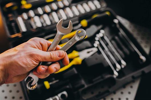 Kit com caixa de ferramentas indispensáveis