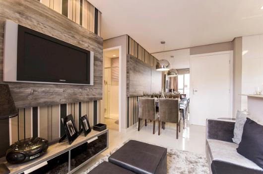Como decorar a casa com parede e móveis da mesma cor?