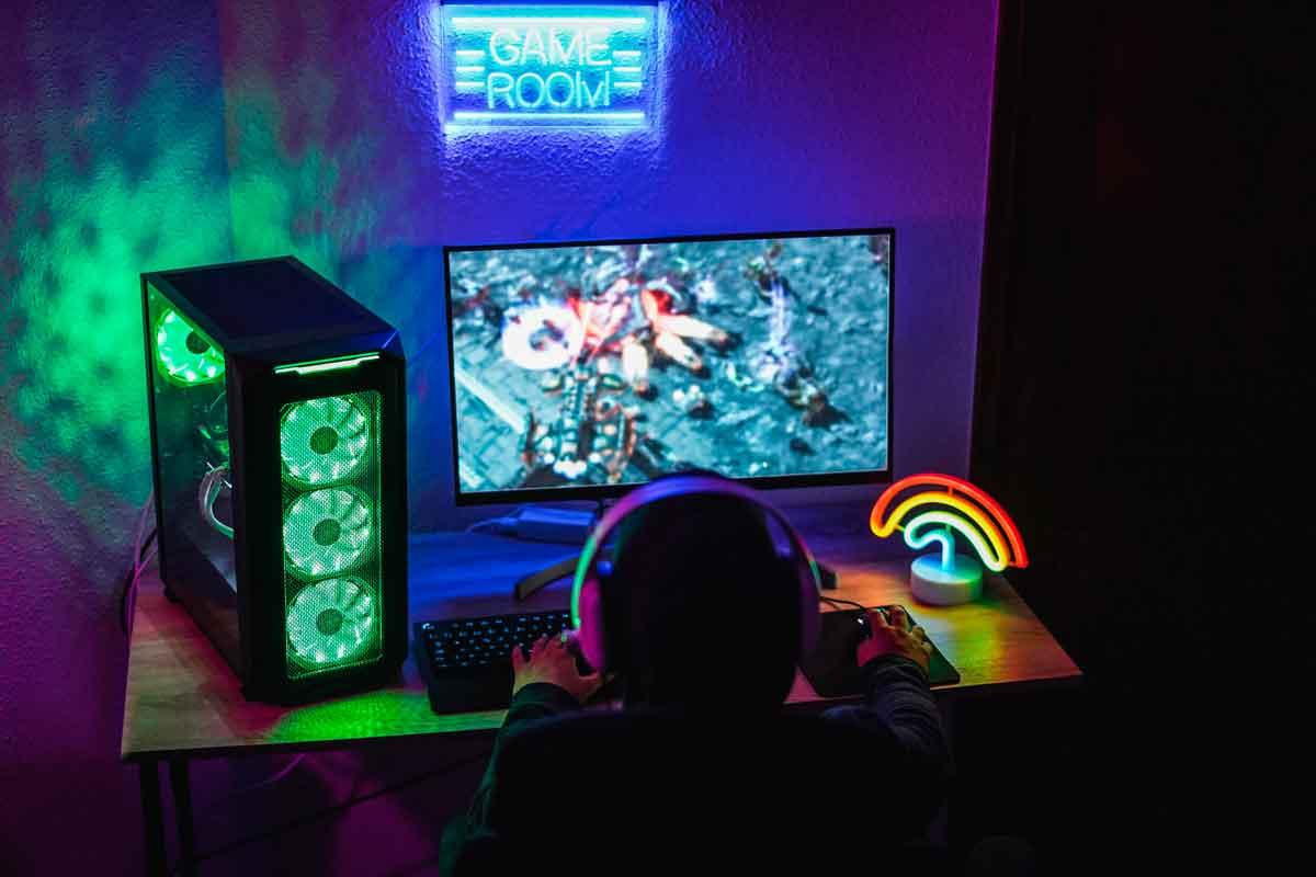 Criança brincando em seu quarto gamer